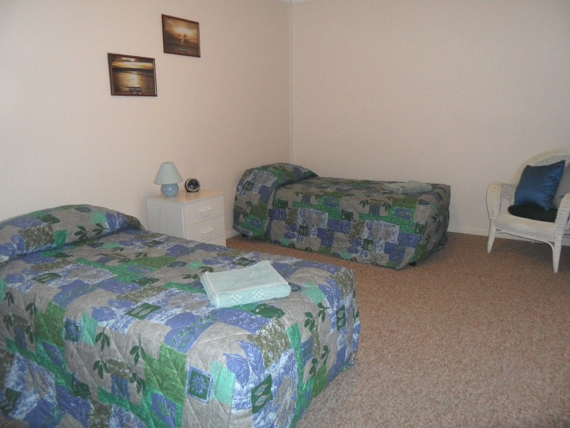 2nd-bedroom-waterview_med