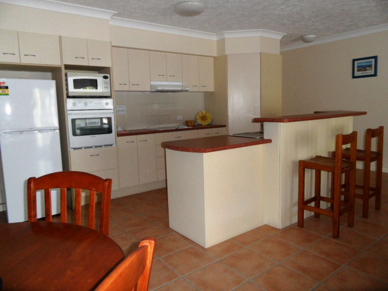 waterview-dining-kitchen-3_med